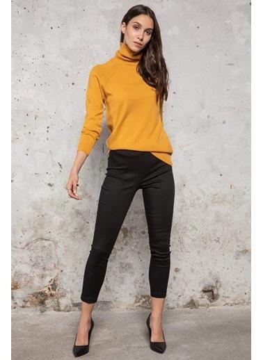DeFacto Yanları Şerit Detaylı Klasik Pantolon Siyah
